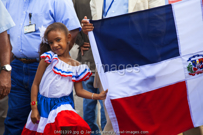 Dominican Republic, Santa Domingo, Colonial zone, Park Independencia, Taking the Dominican flag to Altar de la Patria on Independence day