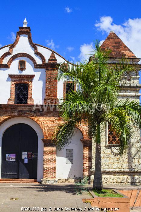 Dominican Republic, Santa Domingo, Colonial zone, Iglesia Santa Barbara