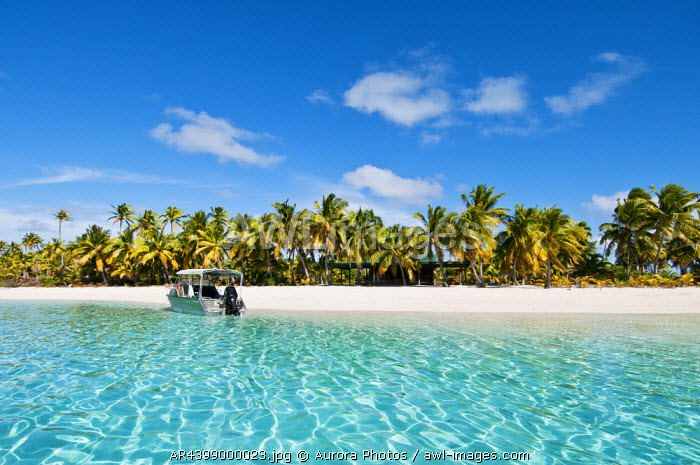 awl-images.com - Cook Islands / Tapuaetai Island, Aitutaki Island, Cook Islands: Boat And Beach At One Foot Island