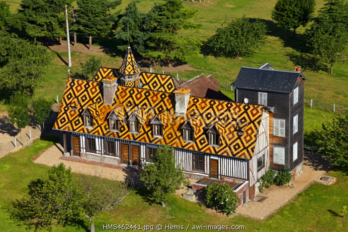 France, Haute-Normandie, Eure (27), beautiful house in Conteville (aerial view)