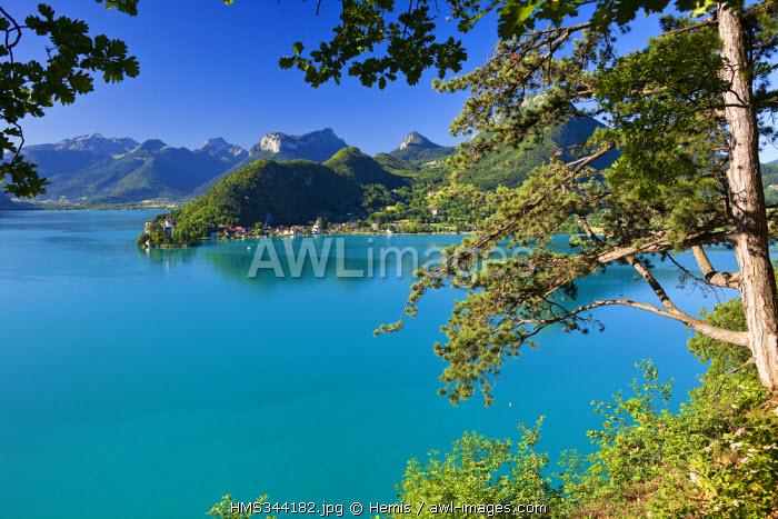 France, Haute Savoie, Talloires, view on Duingt and the Massif des Bauges, Annecy Lake