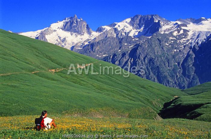 France, Isere, hike on the Emparis plateau facing La Meije massif