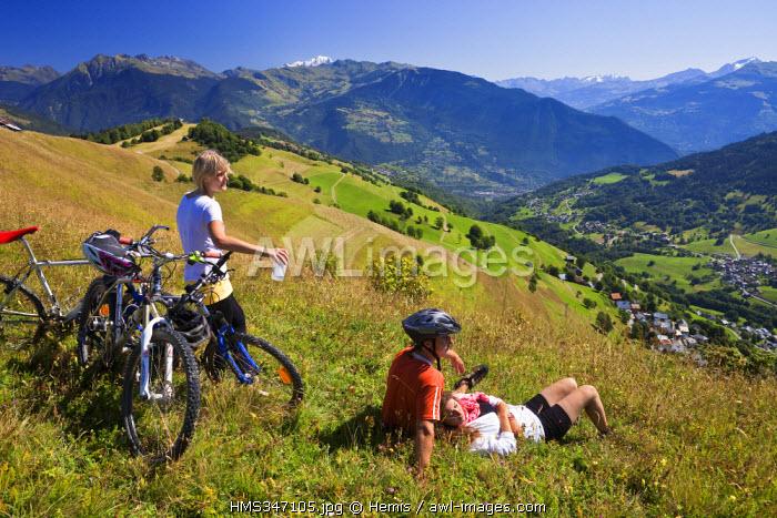 France, Savoie, Valmorel, mountain biking above Quarante-Planes and views on Mont Blanc (4810 m)