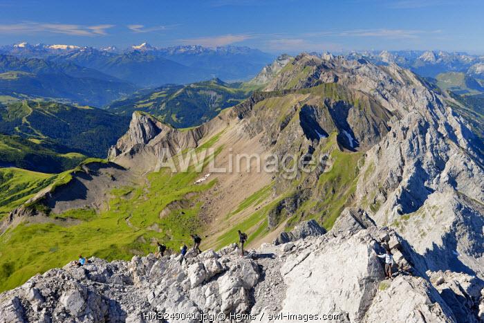 France, Haute Savoie, Le Grand Bornand, the Chaine des Aravis from Pointe Percee (2750m)