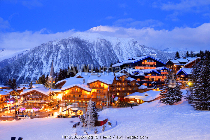 France, Savoie, Tarentaise, Massif de la Vanoise, Courchevel 1850, the centre of the ski resort, view on the Grand Bec Peak in Parc National de La Vanoise (3398m)