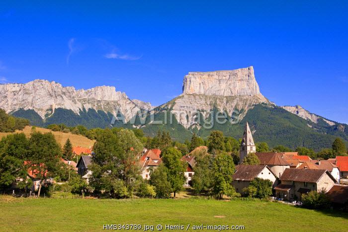 France, Isere, Parc Naturel Regional du Vercors (Natural Regional Park of Vercors), the village of Chichilianne down to the Mont Aiguille (2086m)