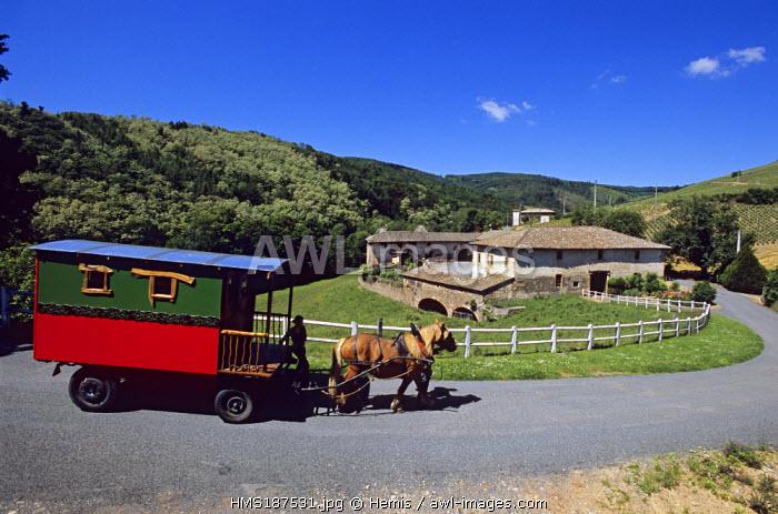 France, Rhone, Pays Beaujolais, Chateau de Jullie, caravan ride