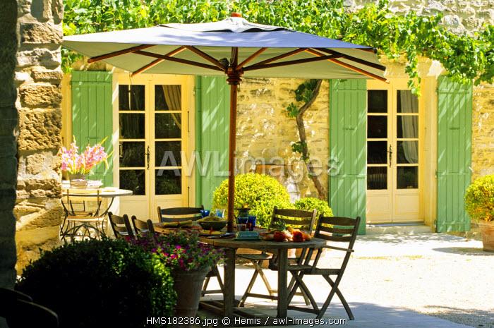 France, Drome, Grignan, bed and breakfast, La Maison du Moulin, compulsory mention