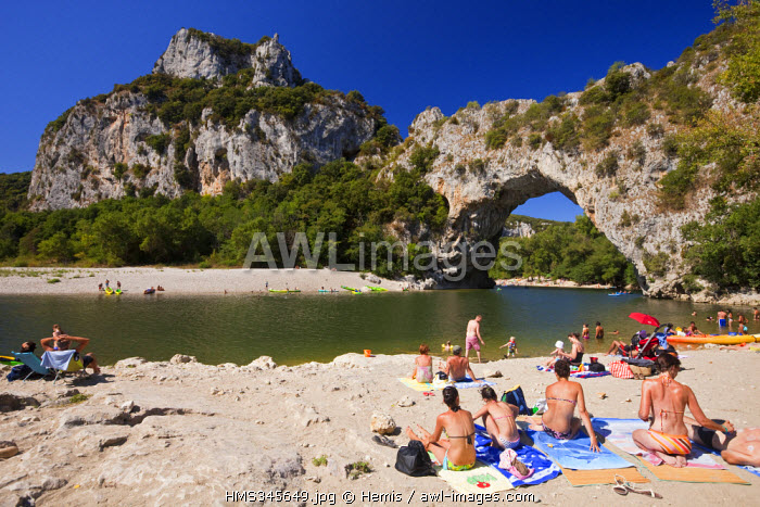 France, Ardeche, Vallon Pont d'Arc, beach at the bottom of Pont d'Arc on Ardeche River banks
