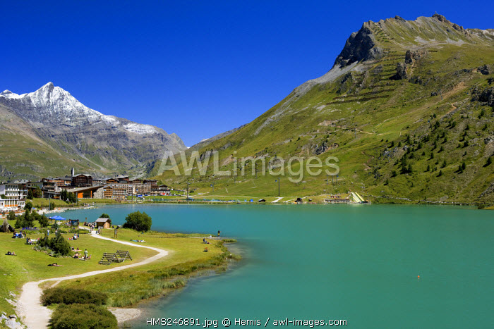 France, Savoie, Tignes 2100, Vanoise Massif with view on the snowy Pierre Pointe Rocks