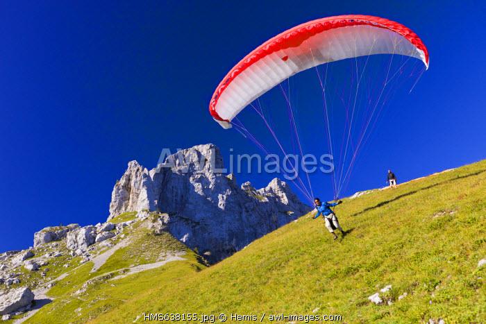 France, Haute Savoie, Massif des Bornes, Thones, Rocher des Tours, takeoff in paragliding from the Col des Fretes du Rosairy, the Chainon de La Tournette separates the Annecy Lake from the Thones Depression