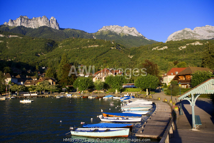 France, Haute Savoie, Talloires on the banks of Annecy lake, La Tournette (2351m) in the background