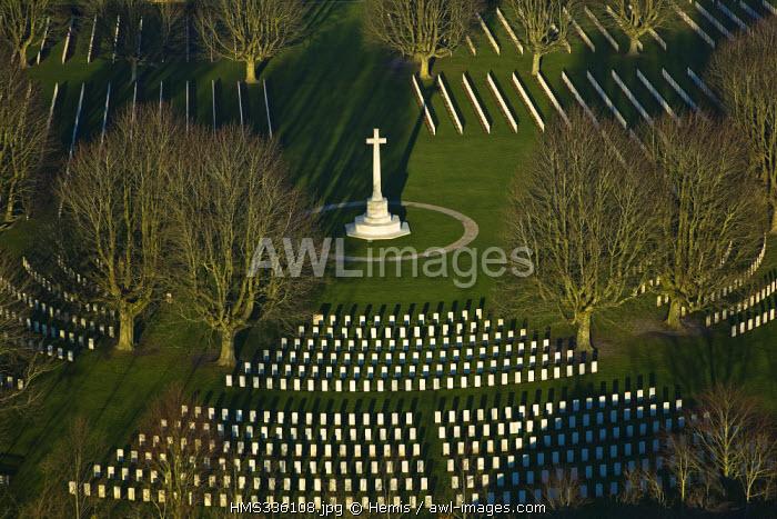 France, Calvados, Bayeux, Memorial et cimetiere du Commonwealth (Commonwealth memorial and cemetery) (aerial view)