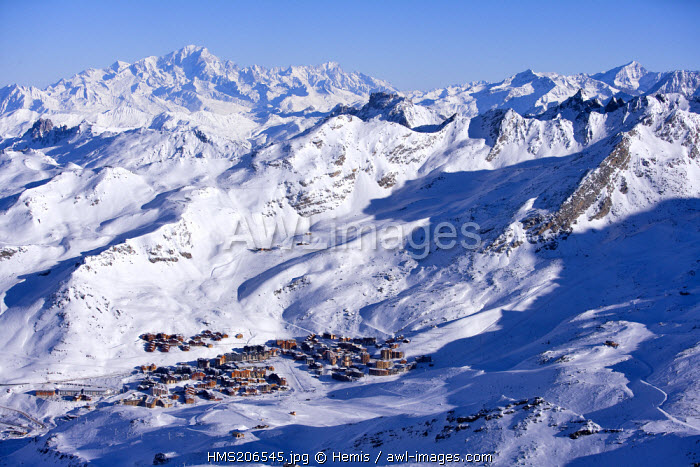 France, Savoie, Val Thorens seen from the Cime de Caron (3198m), Mont Blanc (4810m) in the background