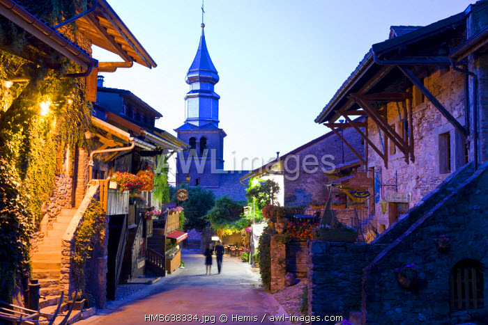 France, Haute Savoie, Le Chablais, Yvoire, labelled Les Plus Beaux Villages de France (the Most Beautiful Villages of France), onion dome of the church, built at the end of the 19th century, dedicated to Saint Pancras
