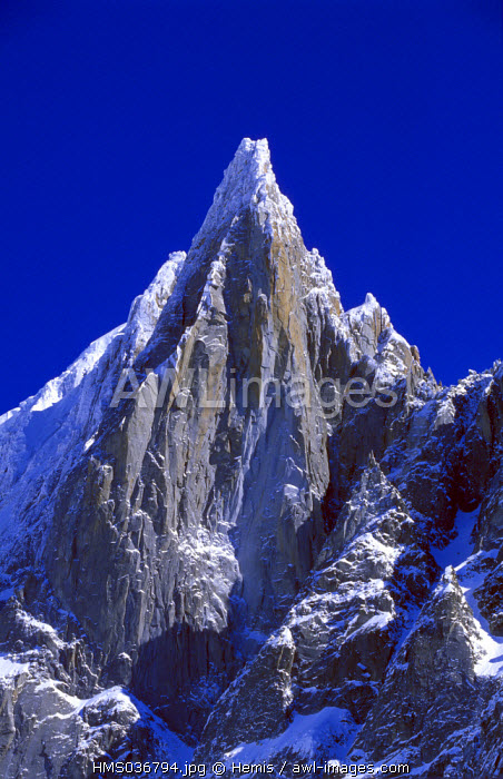 France, Haute Savoie, Chamonix valley, Mer de glace (Sea of ice) in the Vallee Blanche, Mont Blanc, Aiguille of the Dru at the summit of the Aiguille verte