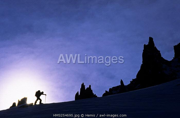 France, Savoie, Pointe de Sambuis, ski touring going up