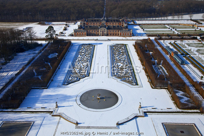 France, Eure, Le Neubourg, Chateau du Champ de Bataille, 17th century castle renovated by decorator Jacques Garcia who rereates the formal gardens (aerial view)