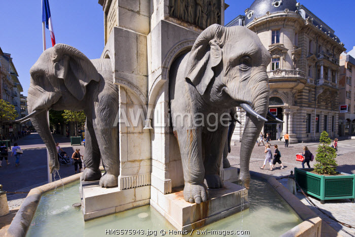 France, Savoie, Chambery, the old town, Fontaine des Elephants also called Quatre sans culs (fountain of the Elephants or the Four without ass)