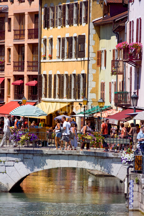 France, Haute Savoie, Annecy, Old Town and the bridge over the Thiou
