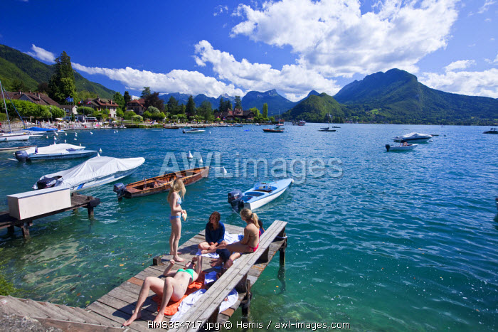 France, Haute Savoie, Talloires, Annecy lake, the marina and fishing docks