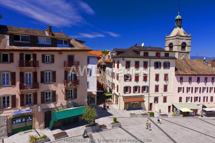 France, Haute Savoie, Le Chablais, Evian, pedestrian streets of downtown