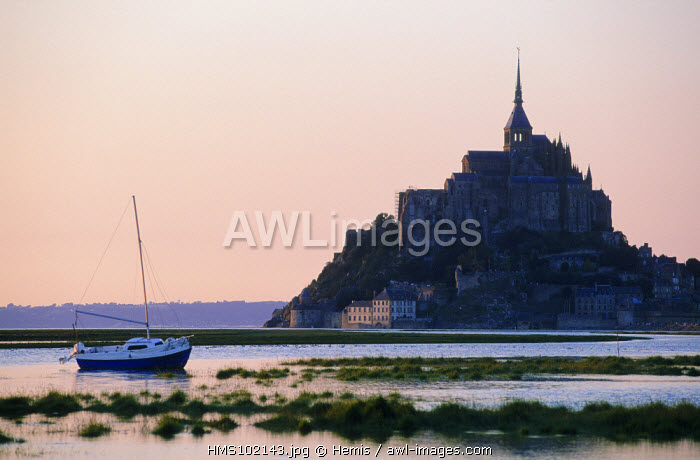 France, Manche, mont Saint Michel, OVERVIEW of the mont Saint Michel