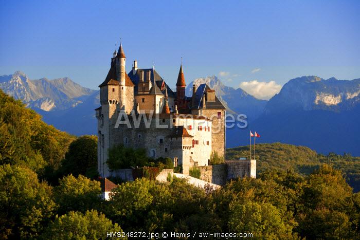 France, Haute Savoie (74), Menthon St Bernard, castle above Annecy Lake, the Massif des Bauges in the background