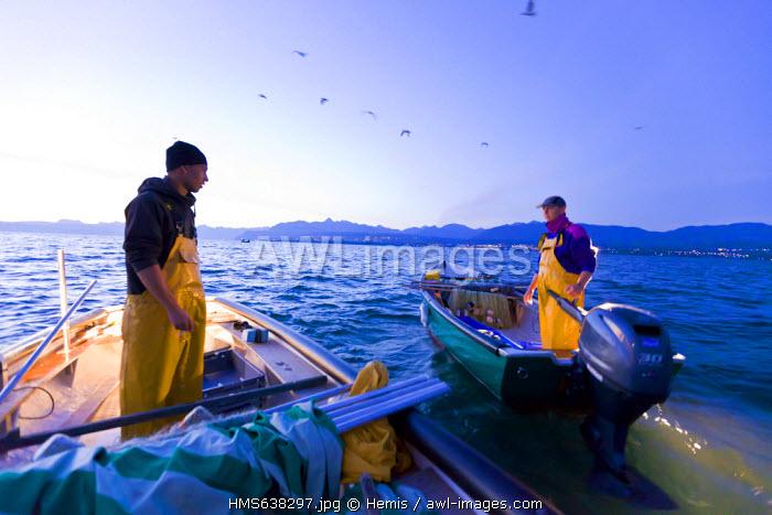 France, Haute Savoie, Le Chablais, Thonon les Bains, fishermen on Lake Geneva