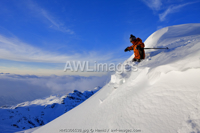 France, Savoie, Les Menuires, Val Thorens, Meribel, back country skiing at the crossroad of the Trois Vallees from the Mont de la Chambre 2850m