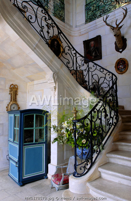 France, Calvados, Chateau de Vandeuvre, hall and staircase