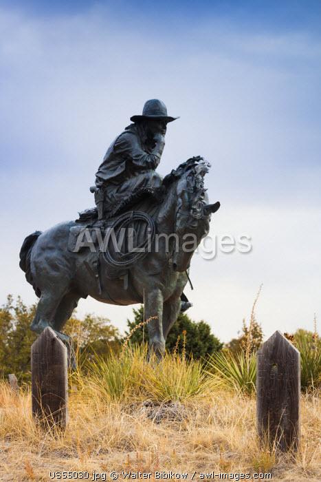 USA, Nebraska, Ogallala, Boot Hill cemetery and Trail Boss statue