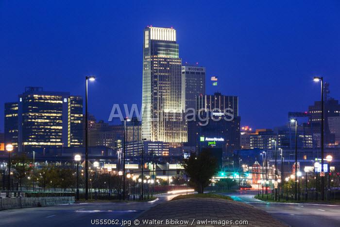 USA, Nebraska, Omaha, skyline from Abbott Drive