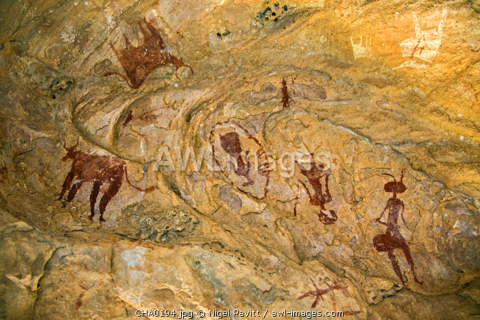 Chad, Tchad, Terkei West, Ennedi, Sahara.  Ancient rock art painted on the domed ceiling of a small cave or shelter.