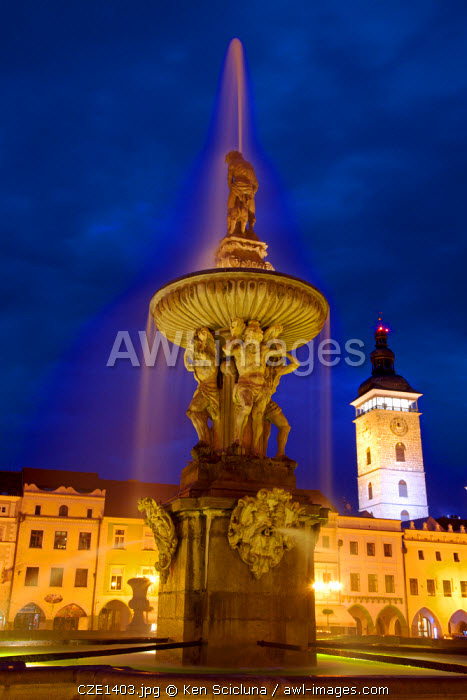 Central and Eastern Europe, Czech Republic, South Bohemia, Ceske Budejovice. The fountain in the historical centre in the last evening light