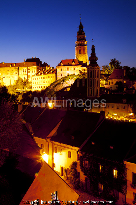 Central and Eastern Europe, Czech Republic, South Bohemia, Cesky Krumlov. The castle and surroundings  in the last evening light.