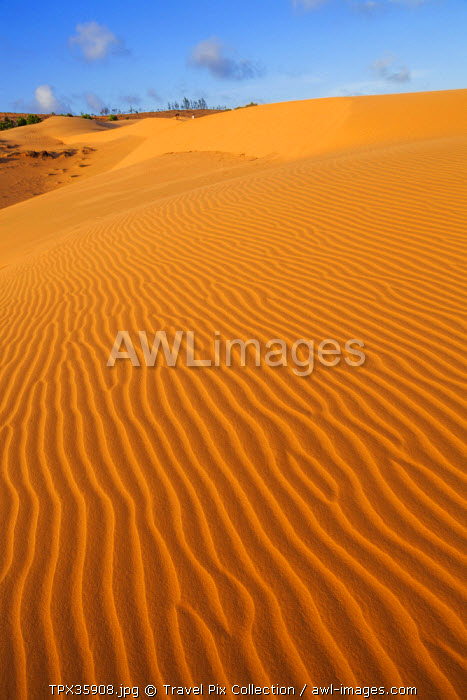 Vietnam, Mui Ne, Sand Dunes and Tourists