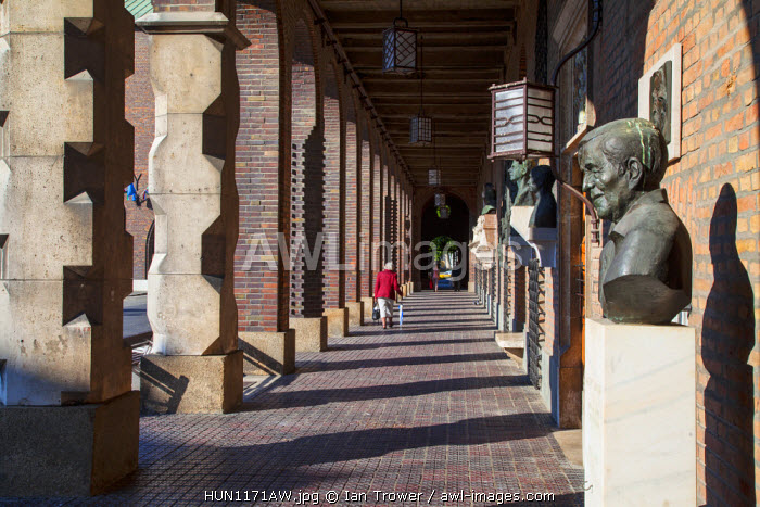awl-images.com - Hungary / Statues in the National Pantheon, Szeged, Southern Plain, Hungary