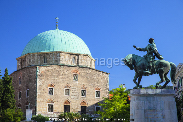 awl-images.com - Hungary / Mosque Church and statue of J�nos Hunyadi, Pecs, Southern Transdanubia, Hungary