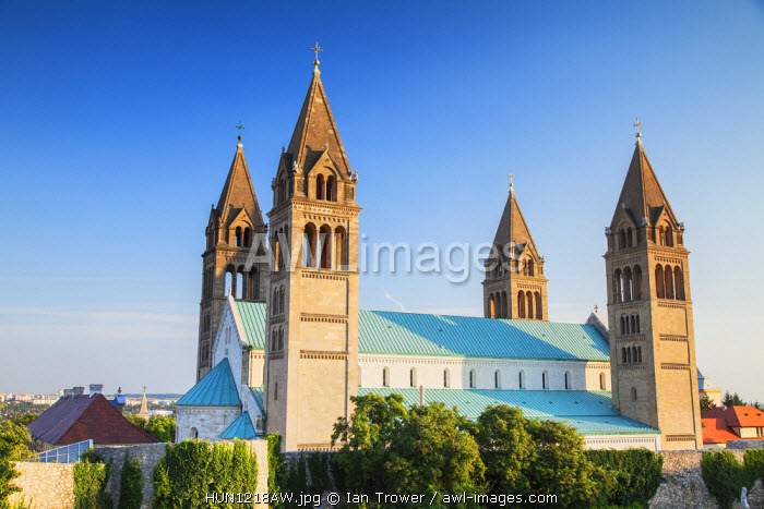 awl-images.com - Hungary / Basilica of St Peter, Pecs, Southern Transdanubia, Hungary