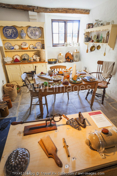 England, Hampshire, Southampton, The Tudor House and Garden Museum, Interior Display of Victorian Kitchen