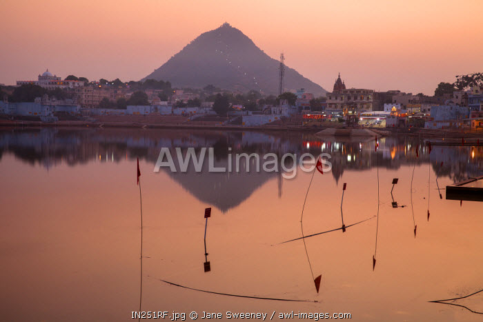 awl-images.com - India / India, Rajasthan., Pushkar, Pushkar Lake