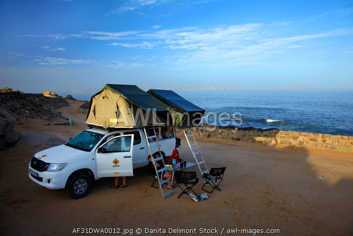 awl-images.com - Namibia / 4x4 camper, Shark Island Camp Site, Luderitz, Southern Namibia, Africa (MR).