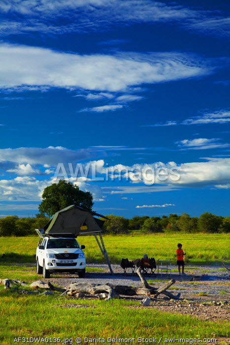 awl-images.com - Namibia / Camping in the wilderness, Nyae Nyae Conservancy, near Tsumkwe, Namibia, Africa (MR).