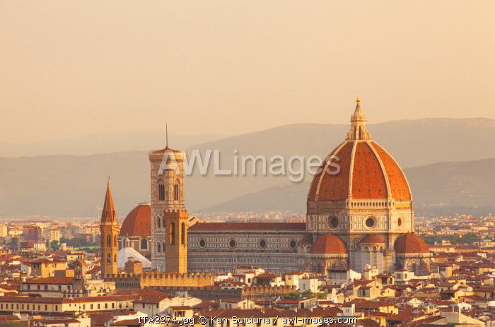 awl-images.com - Italy / Italy, Tuscany, Florence. Overview of the city with Brunelleschi Cupola on the Duomo. UNESCO.