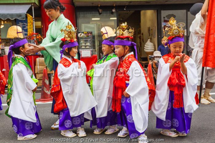 Japan, Honshu, Kanto, Tokyo, Asakusa, Jidai Matsurai Festival, Children in Costume