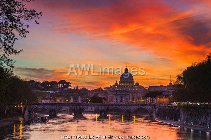 Italy, Lazio, Rome, historical centre listed as World Heritage by UNESCO, Ponte Vittorio Emanuele II across the Tiber river and Saint Peter's Basilica