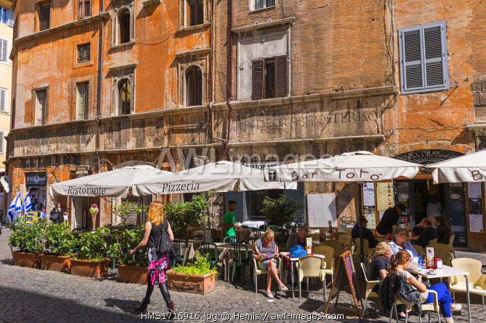 Italy, Lazio, Rome, historical centre listed as World Heritage by UNESCO, the Ghetto district, Lorenzo Manilio's house built in 1468 with roman vestiges
