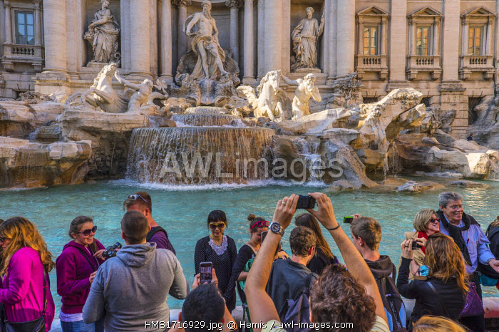 Italy, Lazio, Rome, historical centre listed as World Heritage by UNESCO, Quirinal district, Trevi Fountain