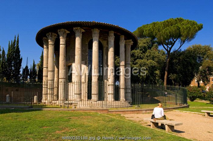 Italy, Lazio, Rome, historical centre listed as World Heritage by UNESCO, Aventin District, Piazza Bocca della Verita, Temple di Vesta (or Hercules Temple)